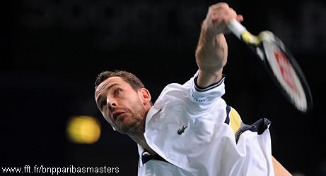 Michael Llodra contre Novak Djokovic